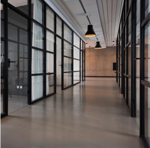 Servicios de mantenimiento de limpieza para edificios de oficinas